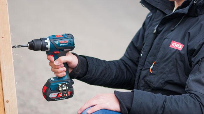 Dagens batteridriller er langt kraftigere enn mange tror. (Foto: Story Labs)